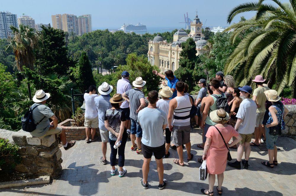Lokal Rehberlerin Seyahatlere Katkısı Nedir?