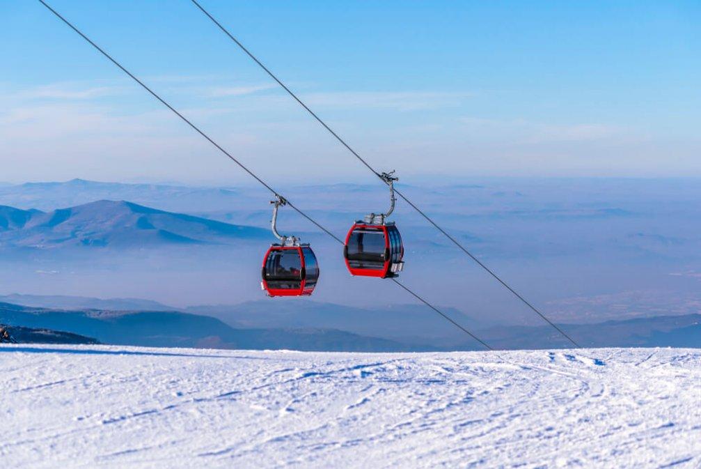 Kışın Keşfedilecek Yerler: Türkiye'deki Kayak Merkezleri