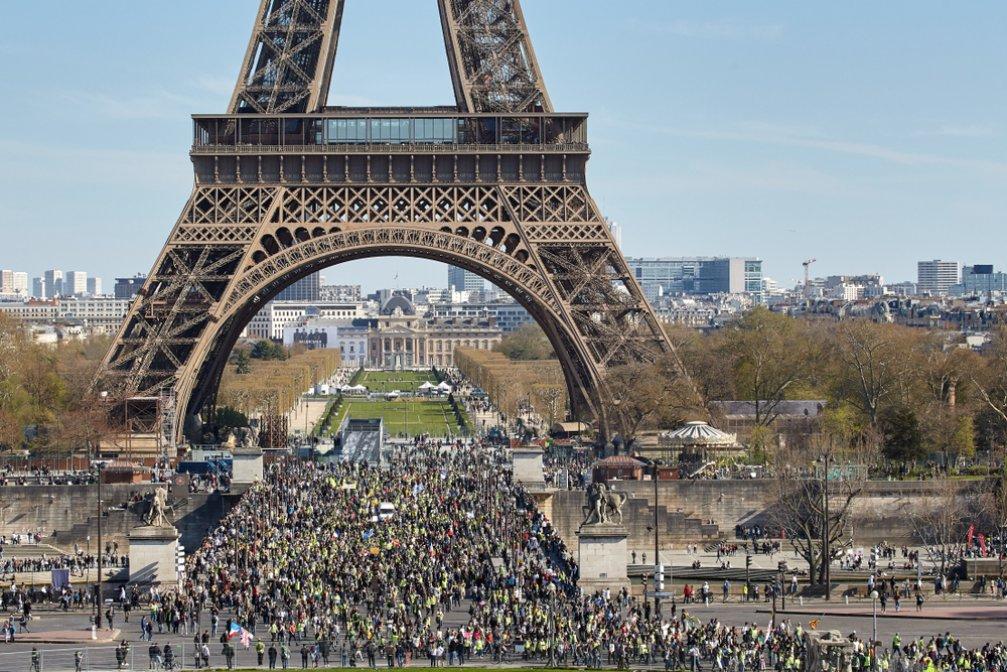 Fransa'daki Eylemlerde 300 Çalışanın Güvenliği Nasıl Sağlandı?