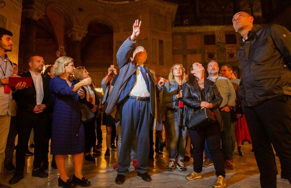 Prof. Dr. İlber Ortaylı Eşliğinde SKYhub ile Müzede Bir Gece
