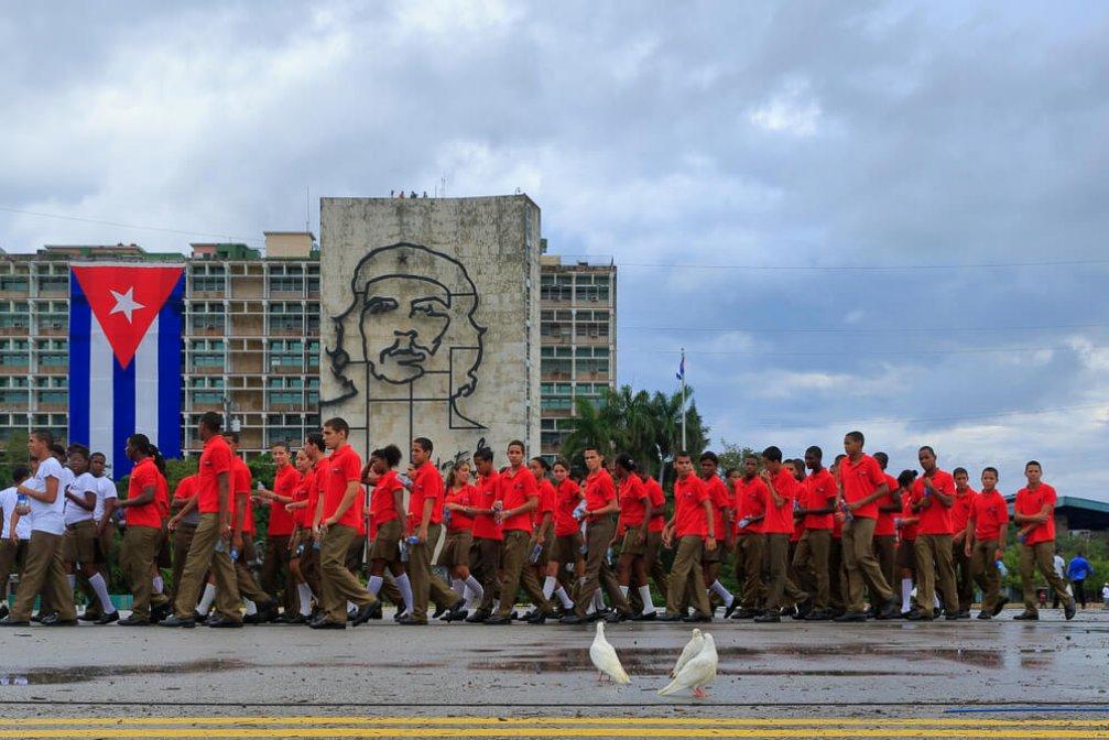 1 Mayıs Orada Bir Başka Güzel: Devrimin Simgesi Küba