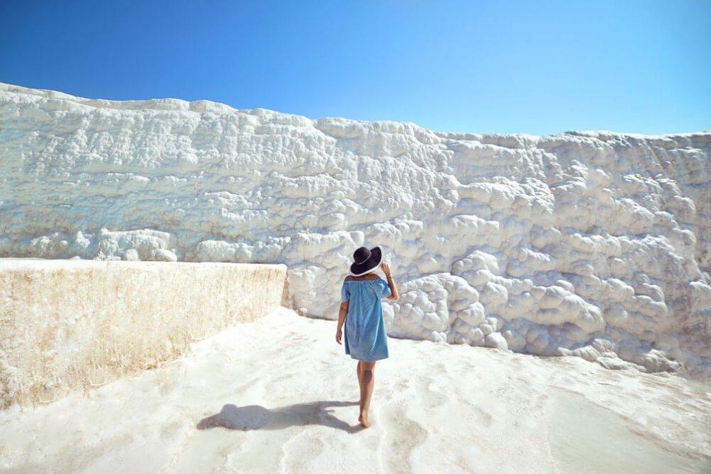 Pamukkale Travertenleri: Narin ve Beyaz Güzellik