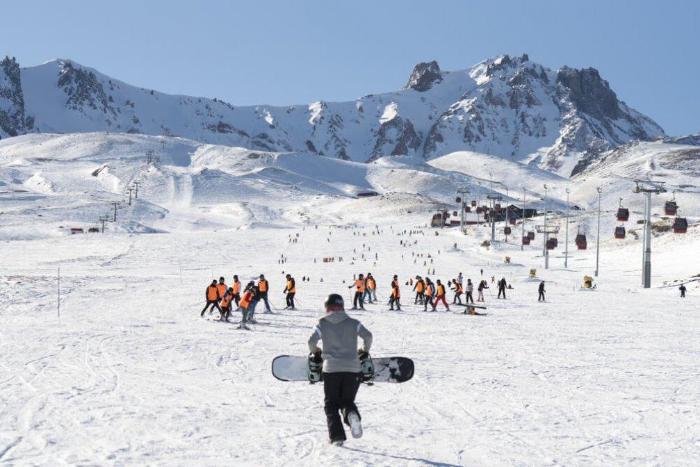 Hafta Sonunda Bir Kış Eğlencesi: Erciyes Kayak Merkezi