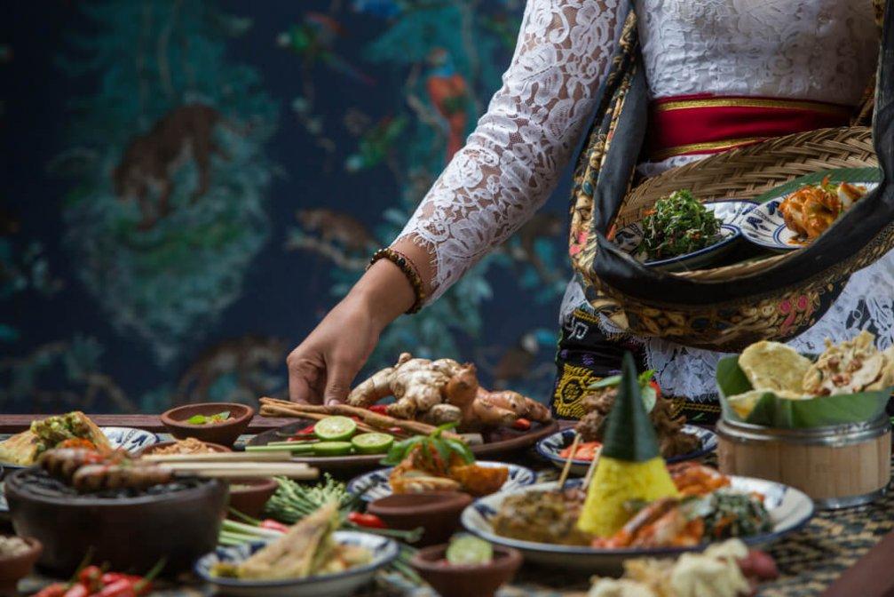 Tropikal ve Lezzetli Endonezya Yemekleri